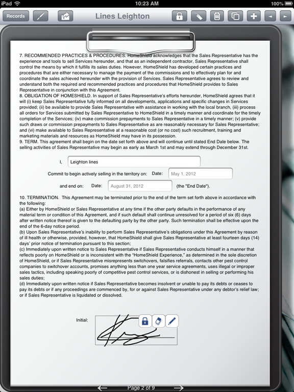 Pest Control Uses Ipad To Fill Out Contractor Agreement Form Form